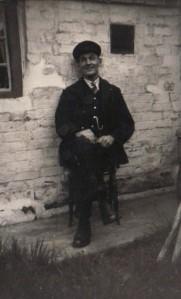 Linley Station + Ernie Heywood (porter) 1940s C Broderick 2