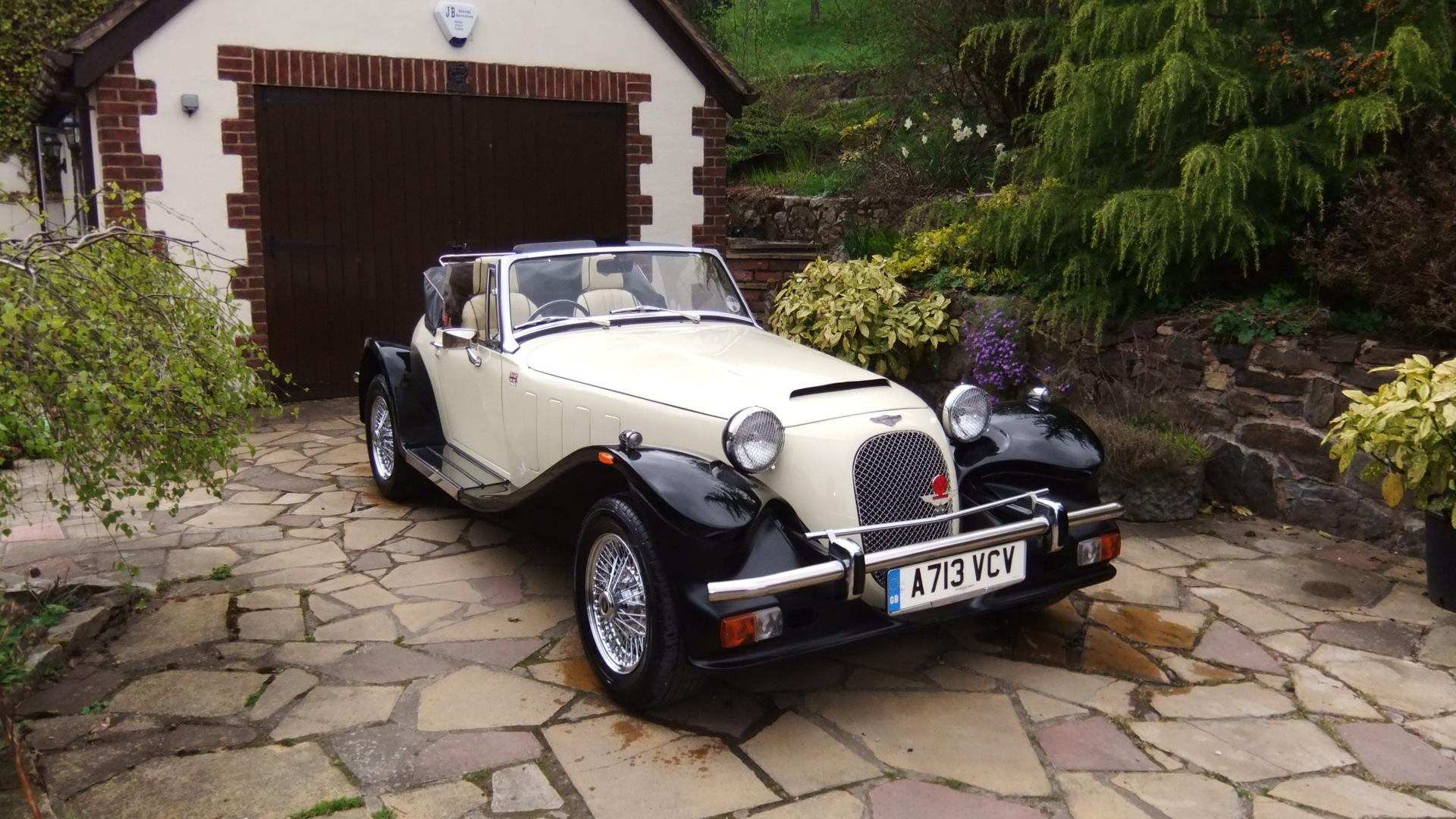 Apley Farm Shop Classic Car