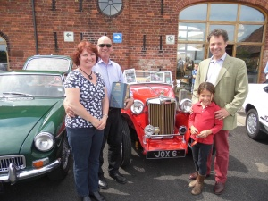 2014-07-20, Icecream Sundae, Classic Car Funday (11), joint winner
