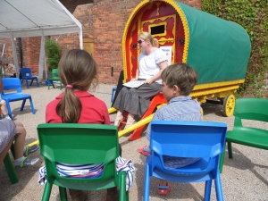 2014-07-20, Icecream Sundae, Classic Car Funday (9) Storytelling