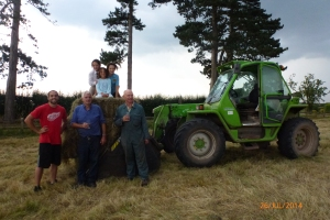 2014-07-26, paddock hay baling, Harrington