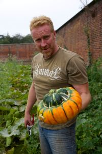 2014-09-19, Neil Harrison AWG Phil photos (75) Phil with Turks Turban squash