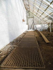 2014-10-28, AWG greenhouse renovation (1)