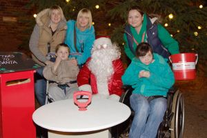 2014-11-08, Neil Harrison's Christmas Lights & Launch photos (24)