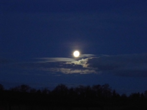 2015-01-21, Moon over AWG 2