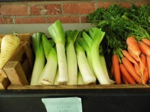 2015-01-24, Musselburgh leeks in Farm Shop