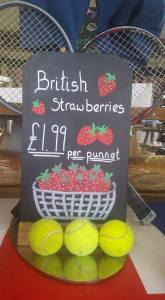 2015-06-30, Wimbledon strawberry display (2)