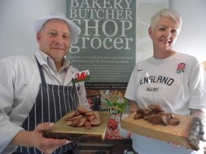 2015-09-24, Rugby sausage Tina & butcher (2)