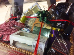 2014-11-21, The Luxury Apley Christmas Hamper 2