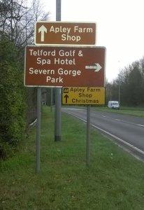 2015-12-16, AFS road signs A442