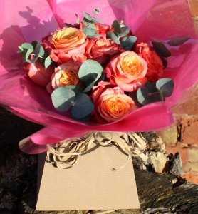 Big-Little-Things_Large-Valentines-bouquet_£30