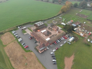 2016-10-25-apley-farm-shop-from-a-hot-air-balloon-8h40