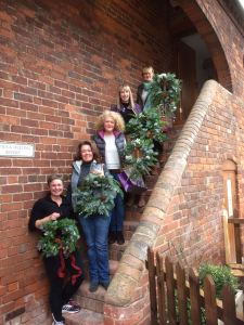 2016-12-03-big-little-things-conference-room-christmas-wreath-making-worksh-2