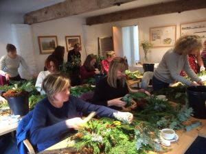2016-12-03-big-little-things-conference-room-christmas-wreath-making-worksh-4