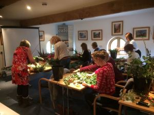 2016-12-03-big-little-things-conference-room-christmas-wreath-making-workshop-1