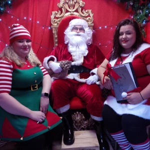 2016-12-10-charlotte-lydia-with-father-christmas-in-his-grotto
