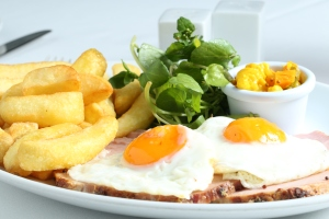 Ham, egg & chips, with Apley's style